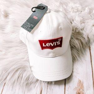 NWT Levi's | white logo hat